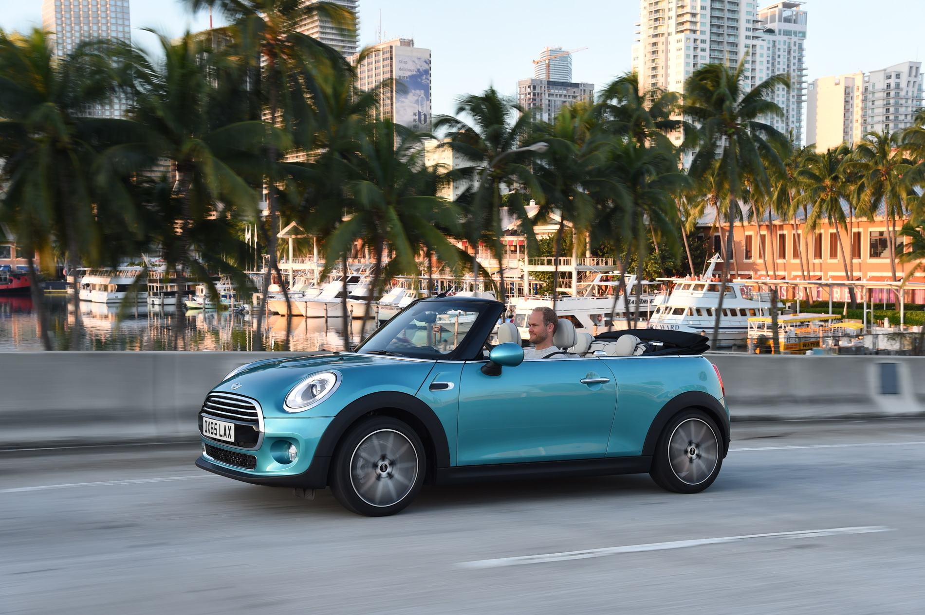 2016 Mini Convertible Images 2 750x499