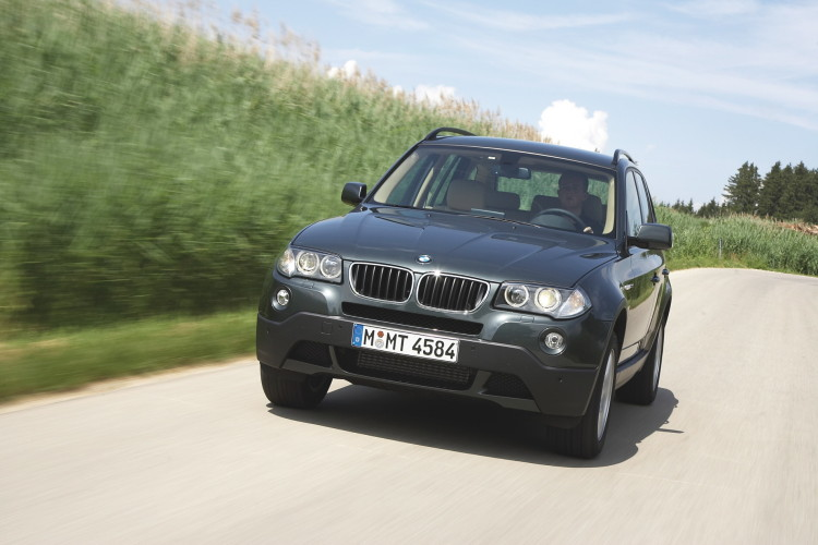 30-years-BMW-xDrive-25