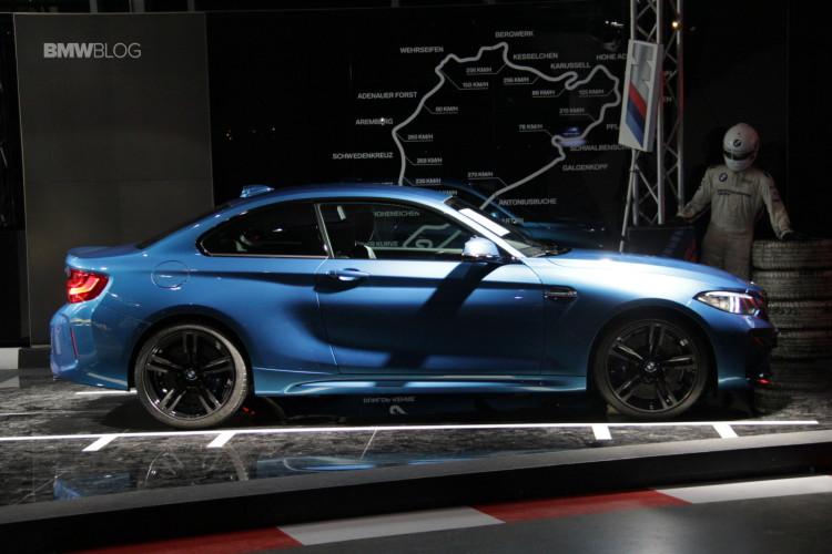 BMW M2 BMW Welt 11 750x500