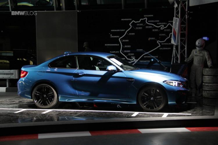 BMW M2 BMW Welt 12 750x500