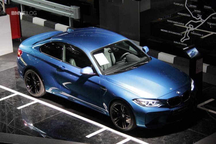 BMW M2 BMW Welt 2 750x500