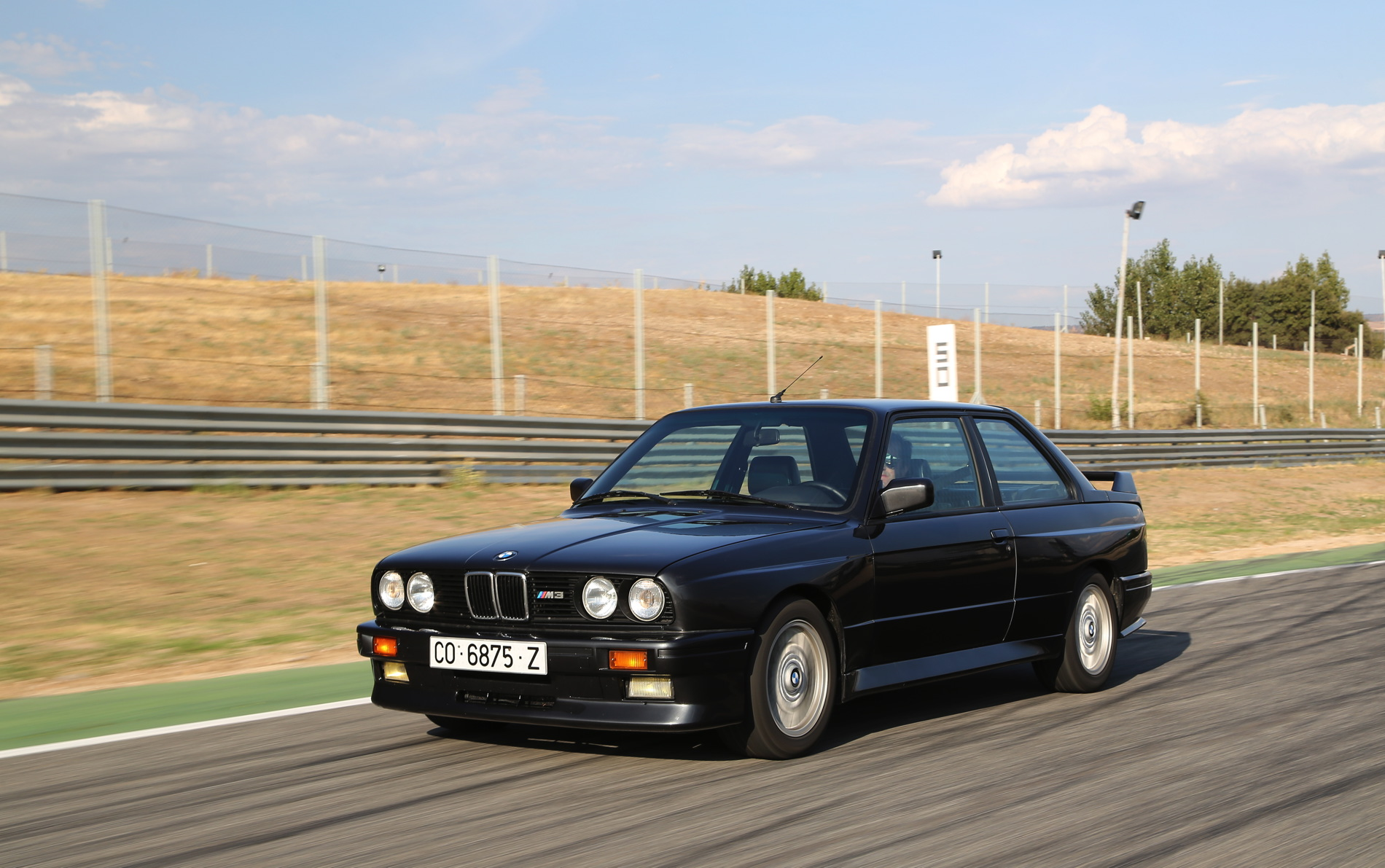 Bmw X3 M Sport >> Photoshoot: E30 BMW M3 at the track