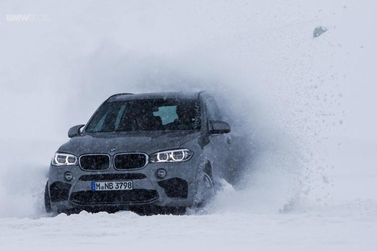BMW-X-models-snow-56