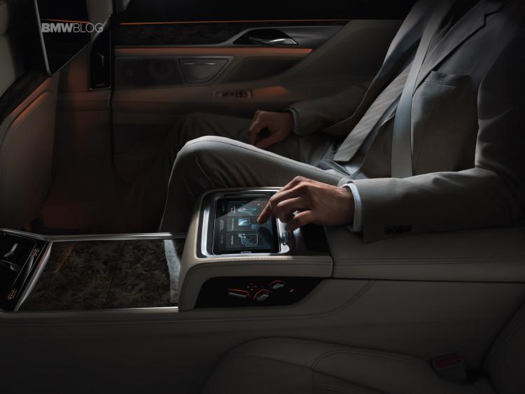 BMW gesture controls 4 750x563