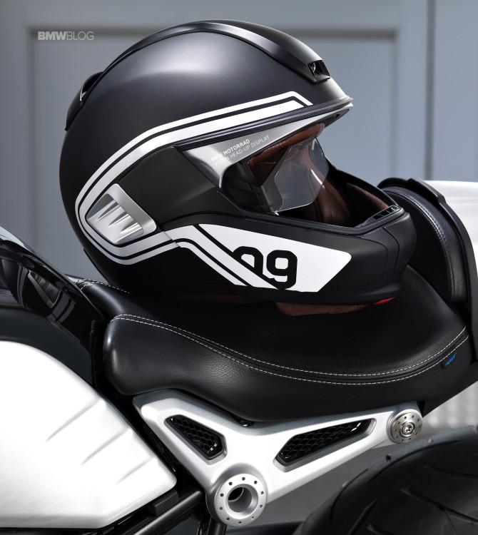 BMW-helmet-head-up-display-1