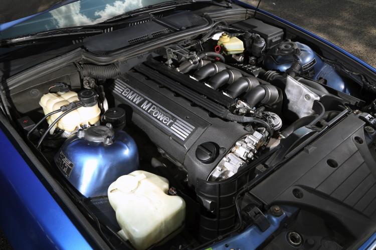 E36 BMW M3 race track 10 750x500