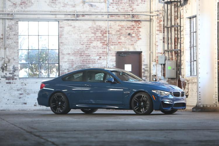 Violet Blue BMW M4 1 750x500