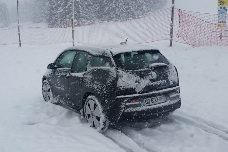 electric car in the alps 750x500