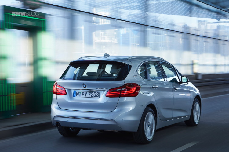 2016 BMW 225xe Active Tourer 27 750x500