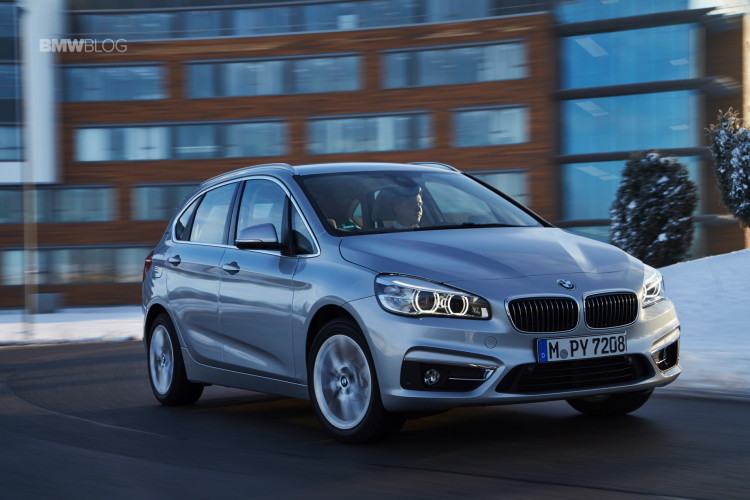 2016 BMW 225xe Active Tourer 33 750x500