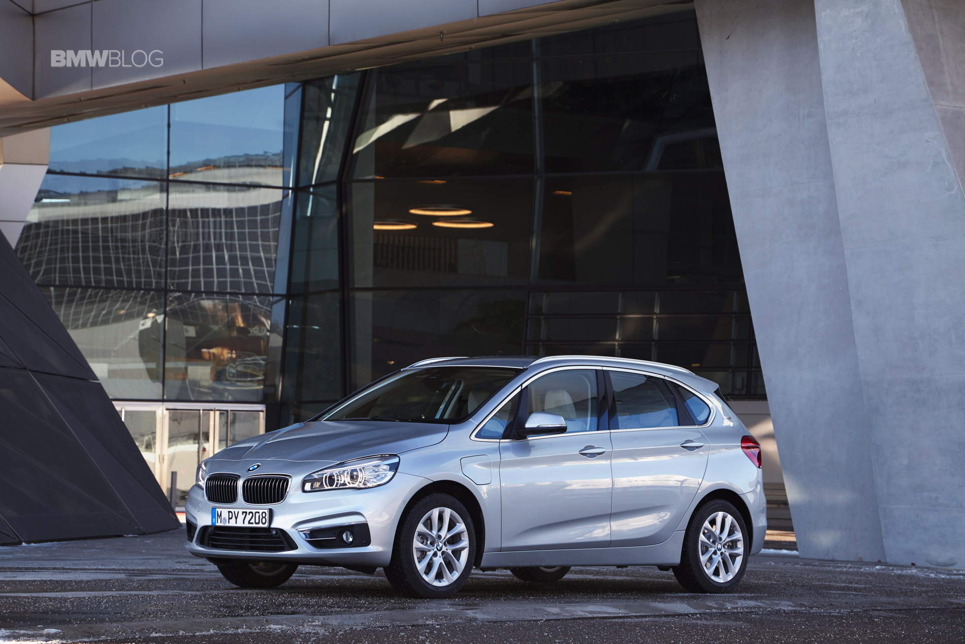2016 BMW 225xe Active Tourer 64