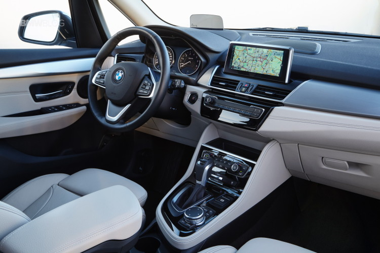2016 BMW 225xe Active Tourer 89 750x500