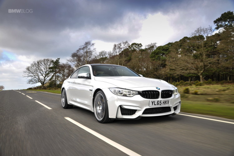 Video Auto Express Drives Bmw M4 Competition Package