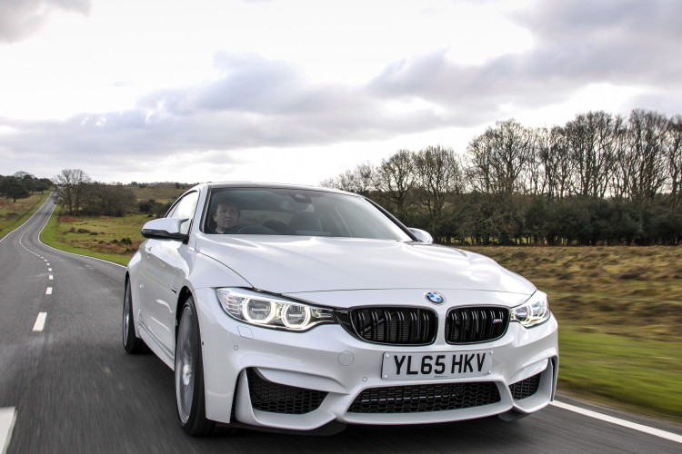 2016 BMW M4 Coupe Alpine White Competition Package 6 750x500