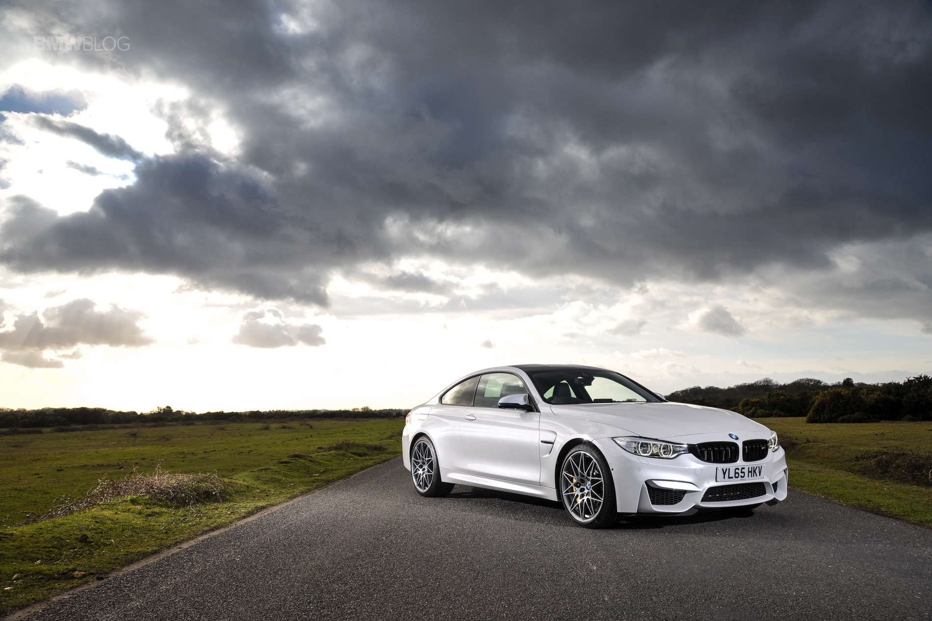 2016 BMW M4 Coupe Alpine White Competition Package 9