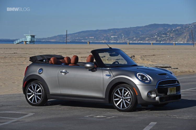 2016 MINI Cooper S Convertible review Melting Silver166 750x499