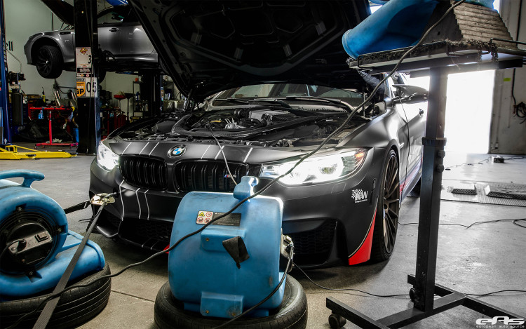 BMW F82 M4 With An Akrapovic Exhaust System 1 750x469
