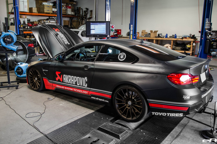 BMW F82 M4 With An Akrapovic Exhaust System 4 750x500