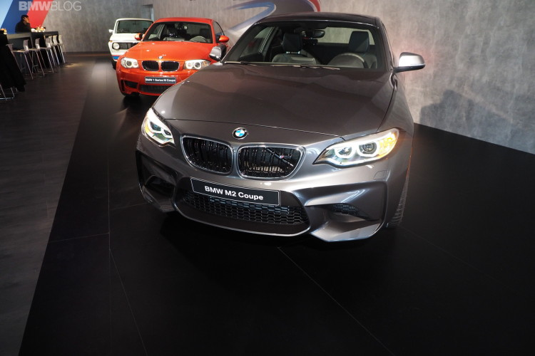 BMW M2 Mineral Grey Metallic 6 750x500