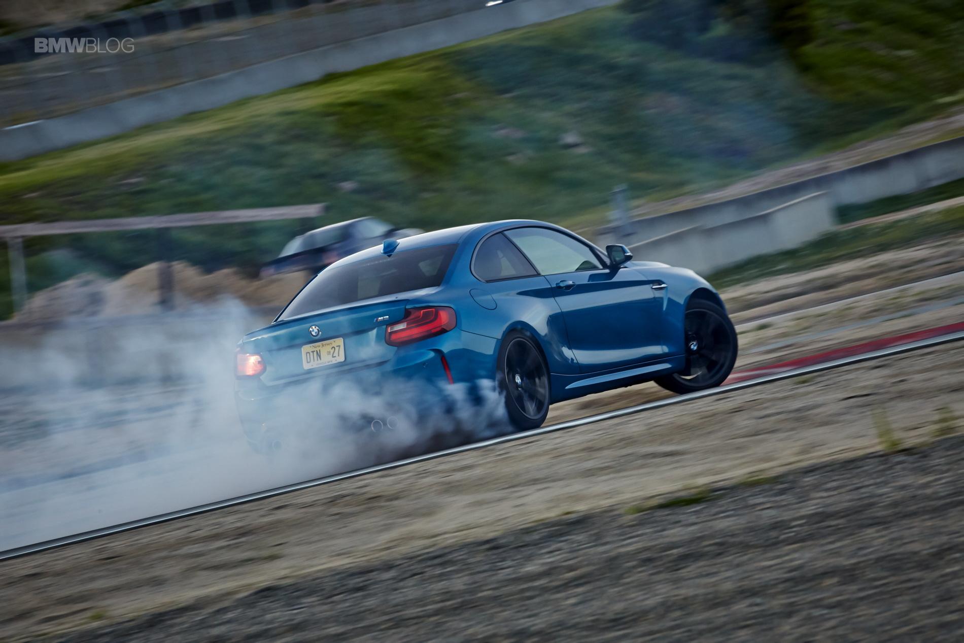 BMW M2 drifts laguna seca 189