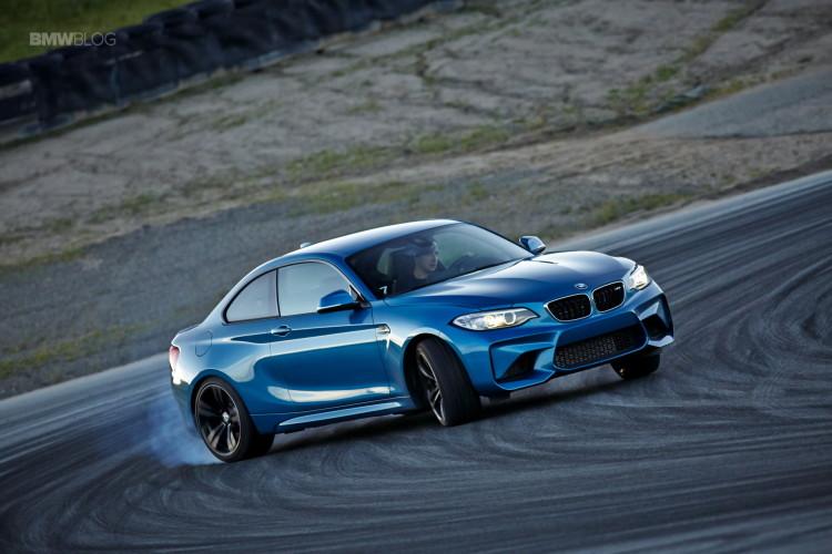 BMW M2 drifts laguna seca 202 750x500