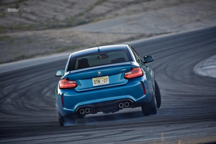 BMW M2 drifts laguna seca 211 750x500