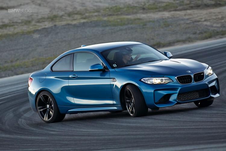 BMW M2 drifts laguna seca 212 750x500