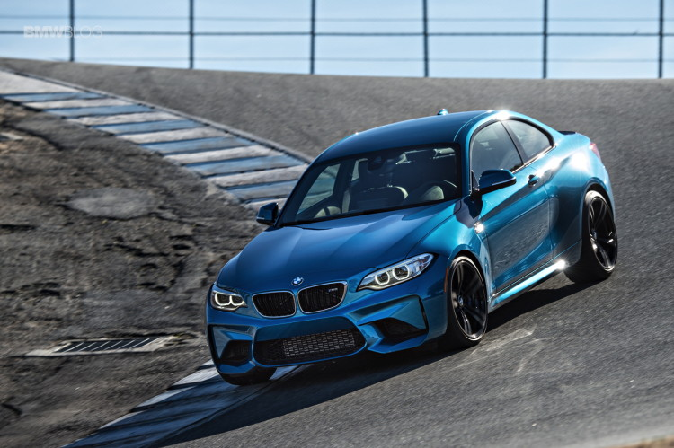 BMW M2 vs BMW 1M vs BMW 2002 35 750x499