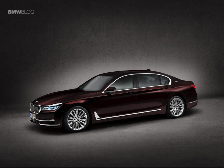 BMW M760Li xDrive images 17 750x562