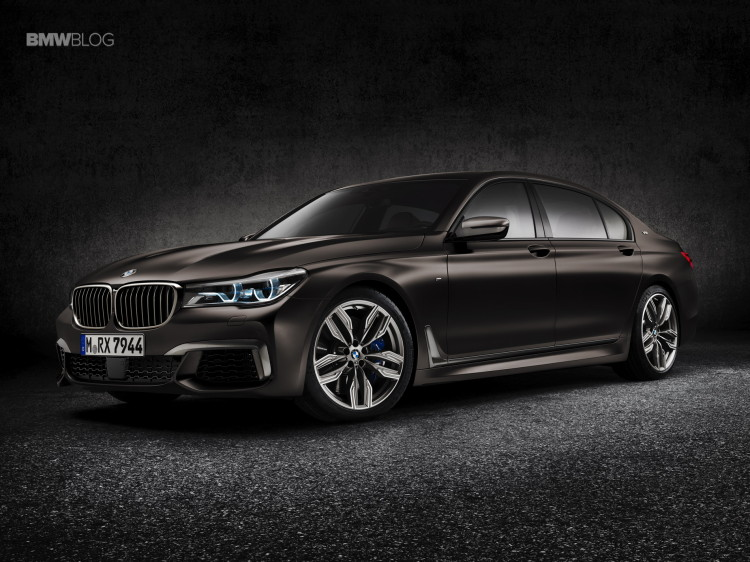 BMW M760Li xDrive images 2 750x562