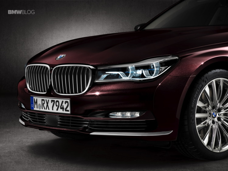 BMW-M760Li-xDrive-images-20
