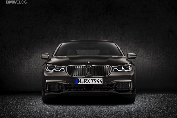 BMW M760Li xDrive images 3 750x500