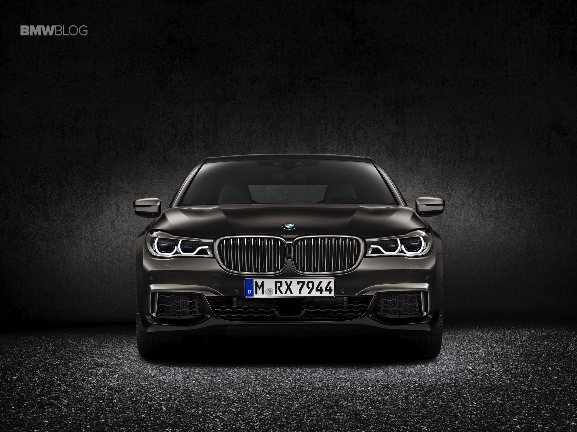 BMW M760Li xDrive images 3