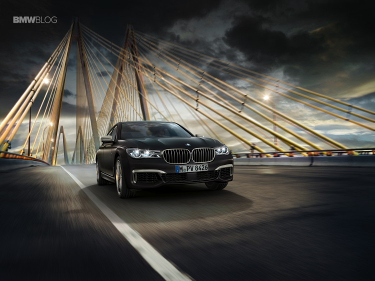 BMW M760Li xDrive images 34 750x562
