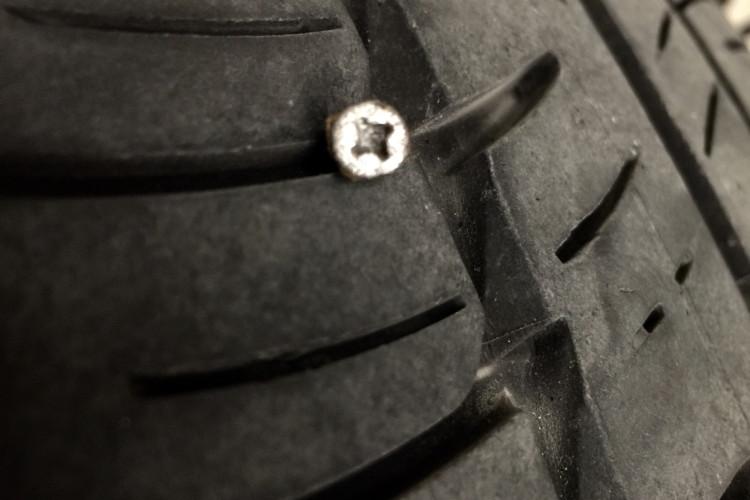 BMW i3 flat tire 1 750x500
