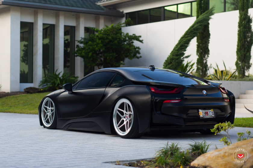 Bagged BMW I8 1 750x500