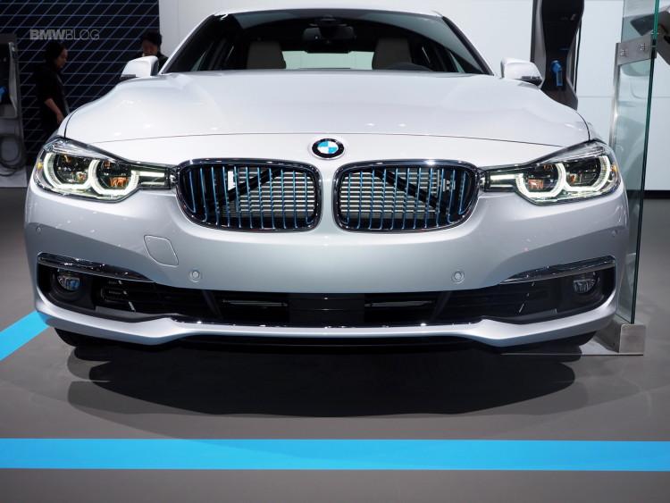 2016-BMW-330e-iPerformance-10