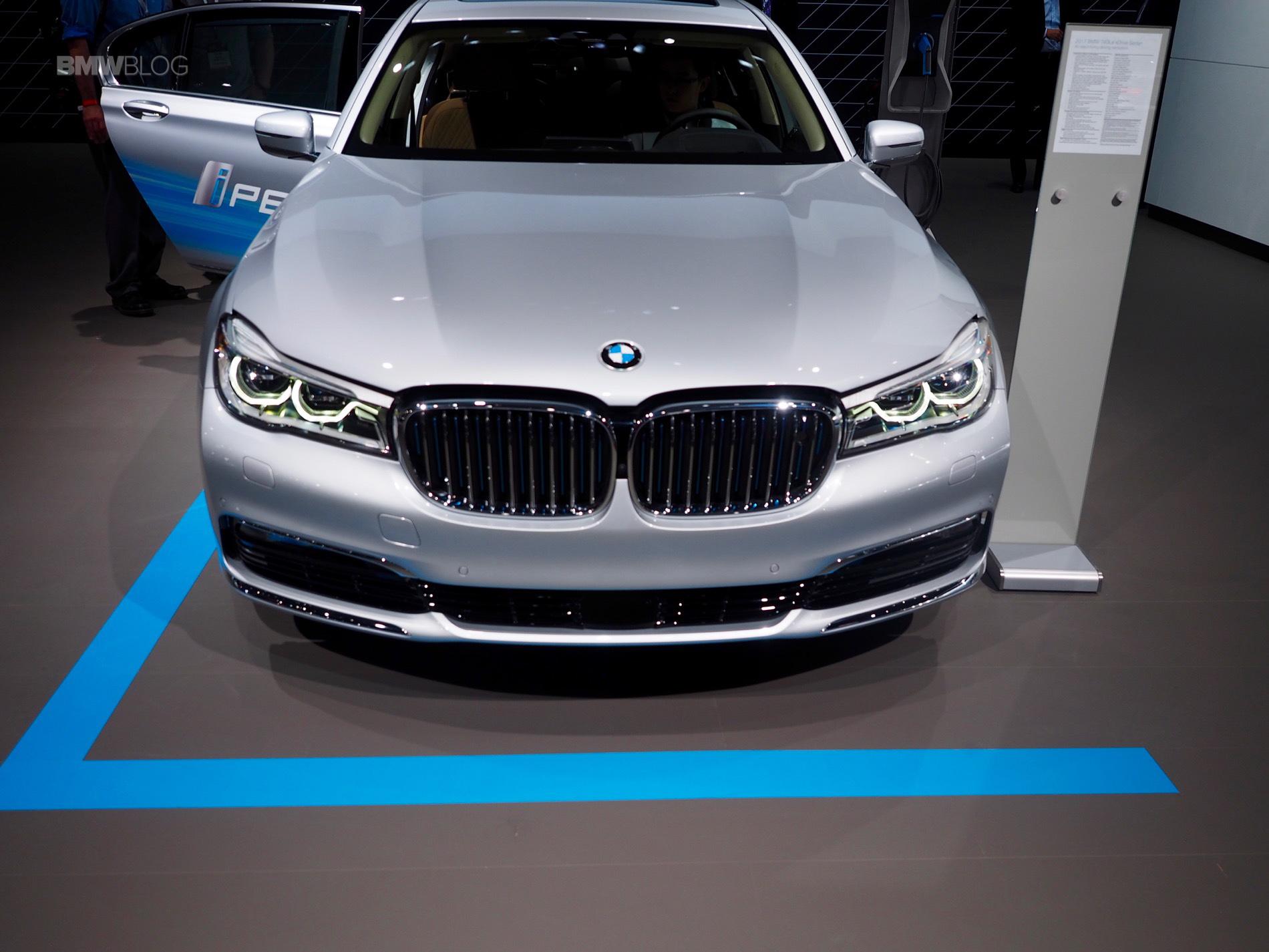 2016 BMW 740Le New York Auto Show 8