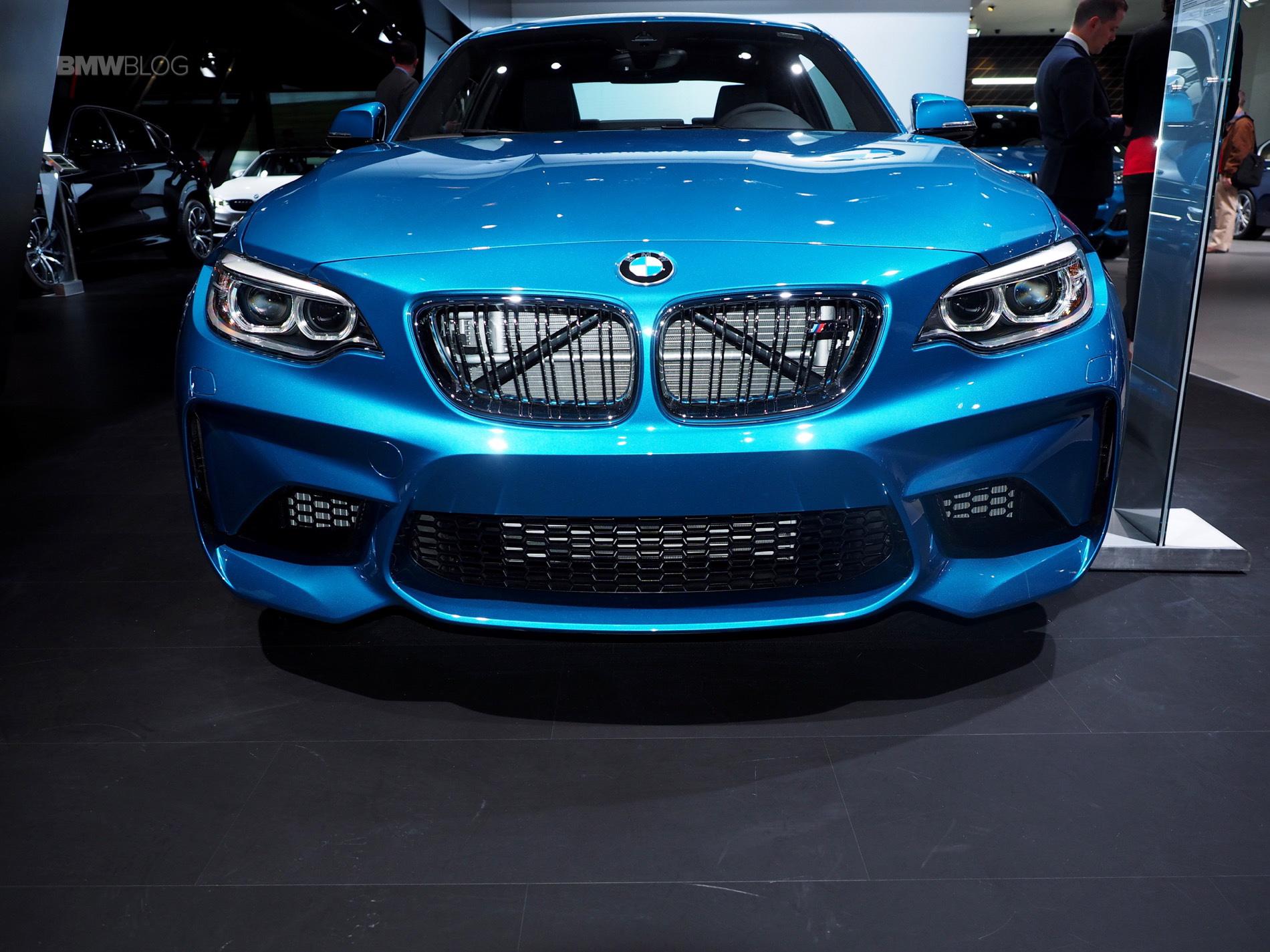 2016 BMW M2 New York Auto Show 10