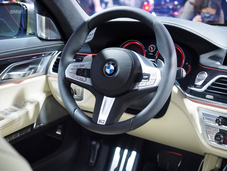 2016-BMW-M760Li-New-York-Aut-Show-17