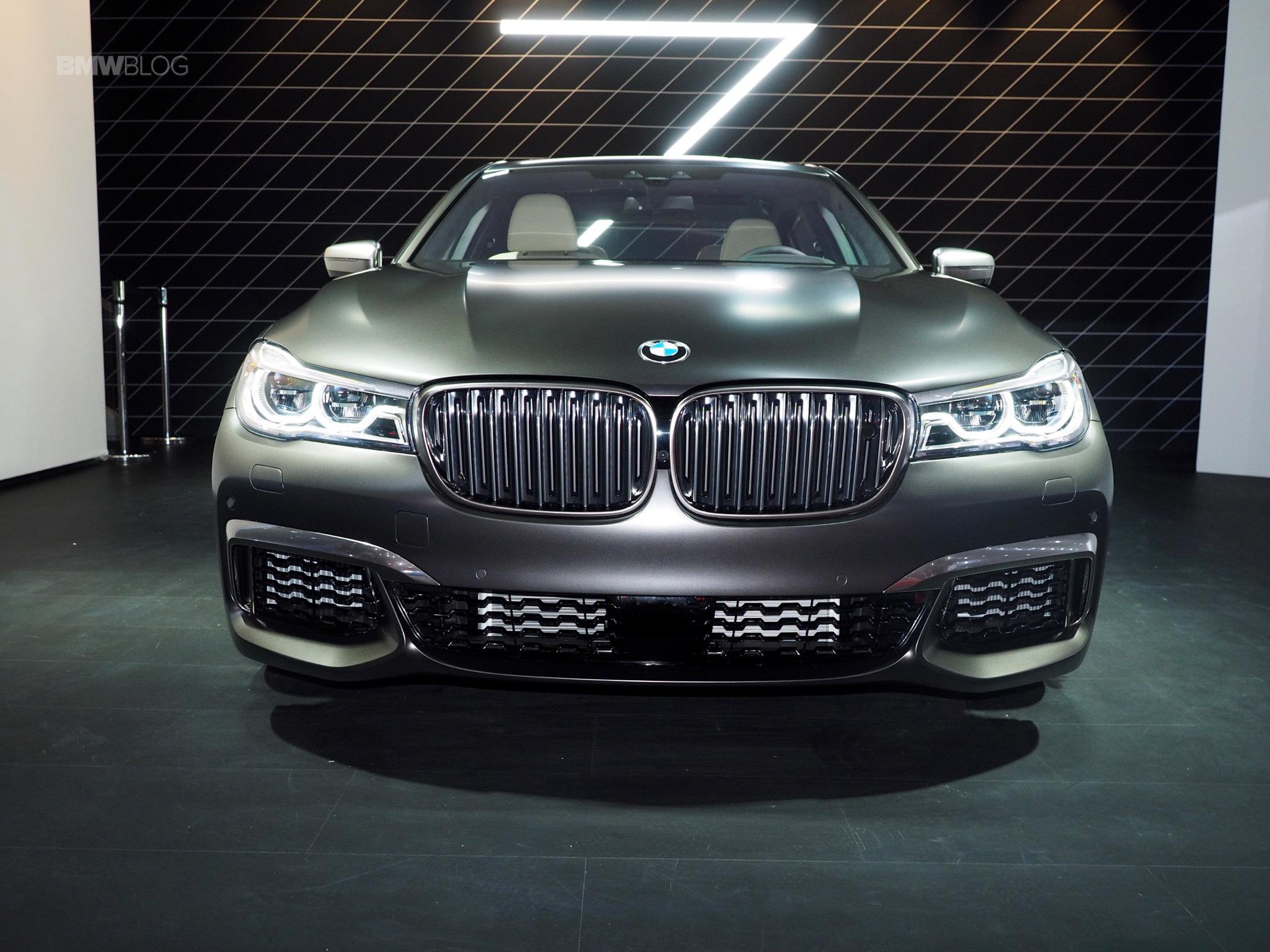 2016 BMW M760Li New York Aut Show 29