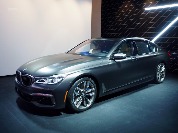 2016 BMW M760Li New York Aut Show 30 750x563