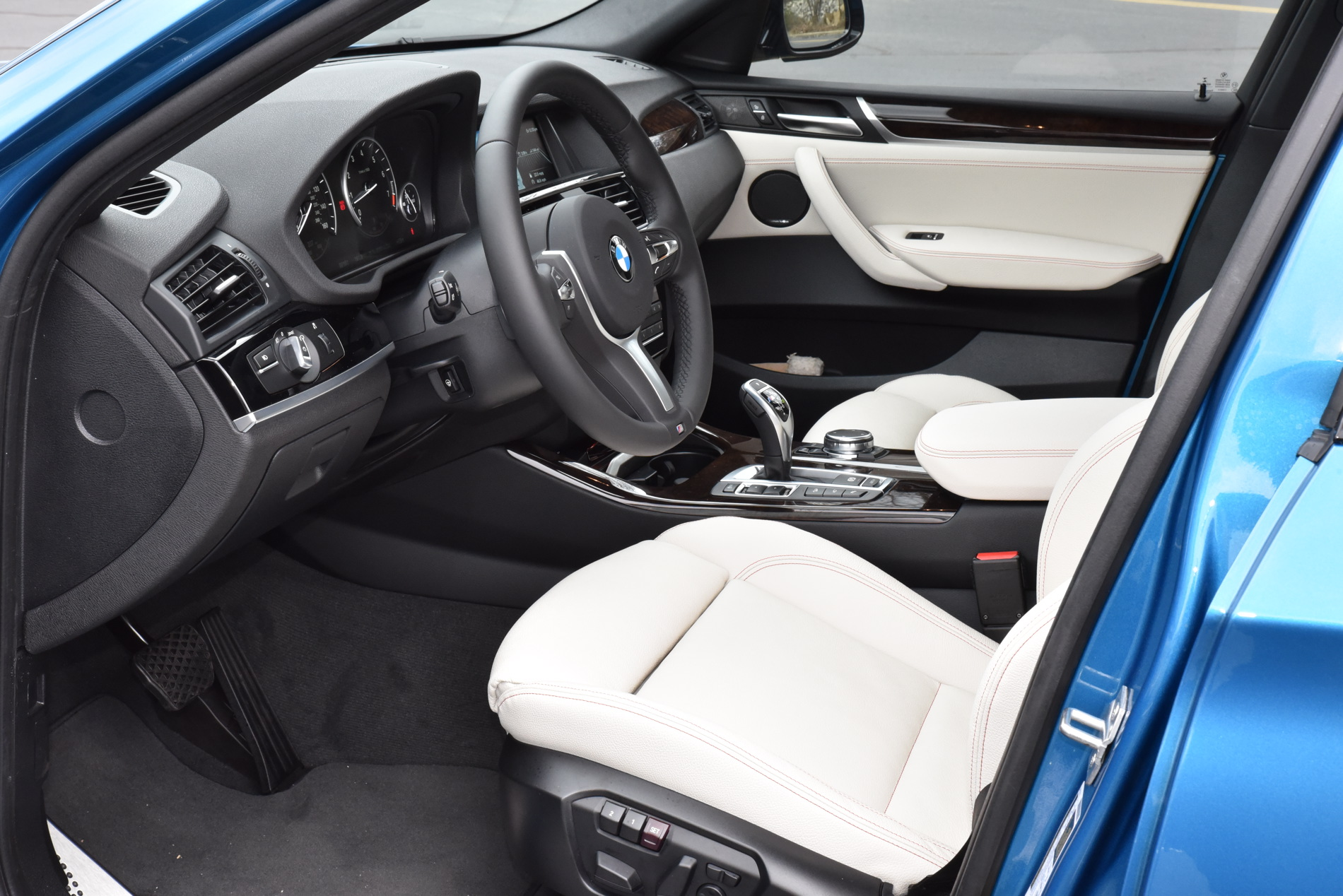 2016 BMW X4 M40i Long Beach Blue Drive 5 750x501