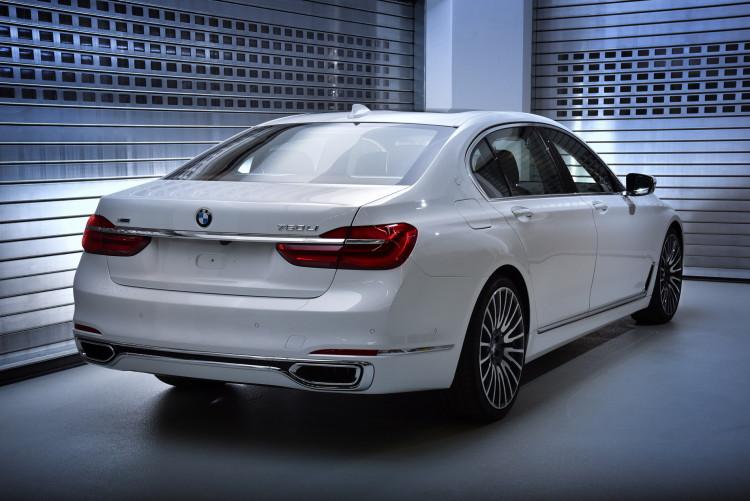 BMW 750Li xDrive Solitaire 29 750x501