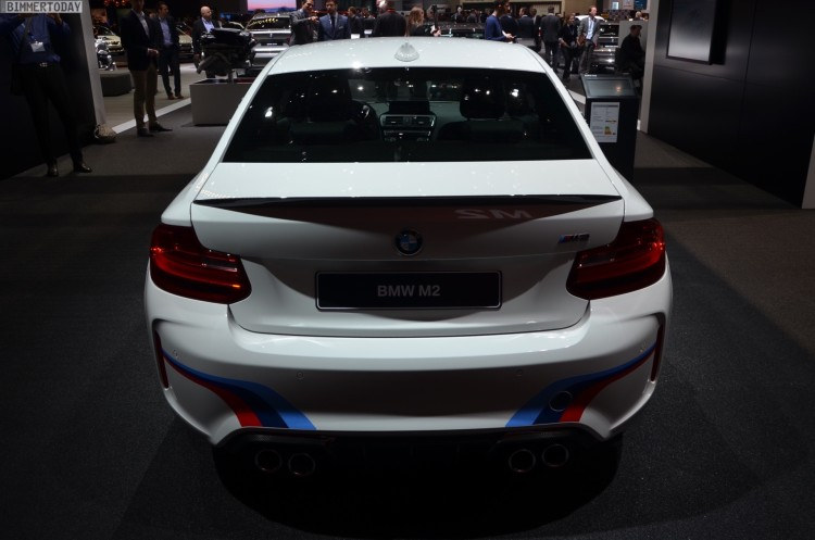 BMW-M2-Coupe-F22-M-Performance-Zubehoer-Autosalon-Genf-2016-LIVE-24
