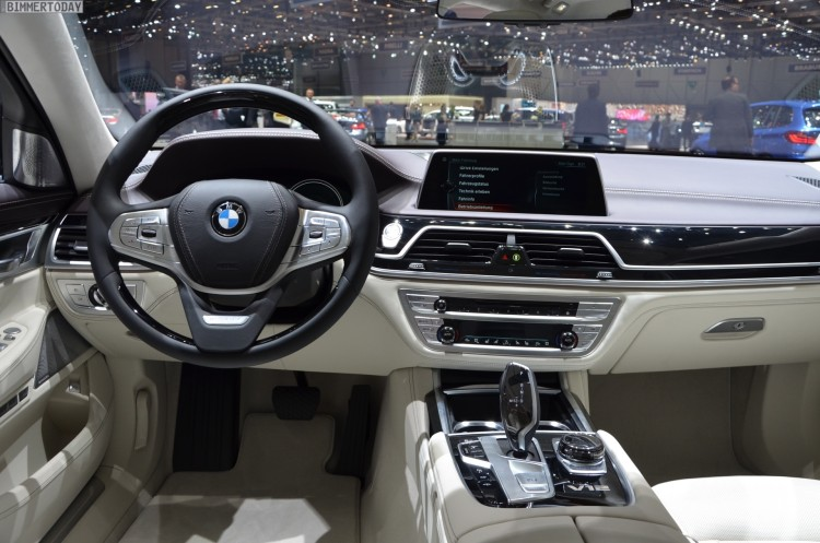 BMW-M760Li-G12-xDrive-V12-Excellence-7er-Individual-Interieur-Genf-2016-Live-07