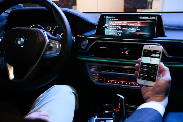 BMW Personal Mobility Companion 750x500