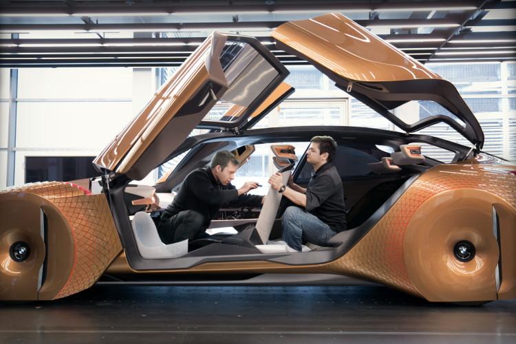 BMW VISION NEXT 100 49 750x500