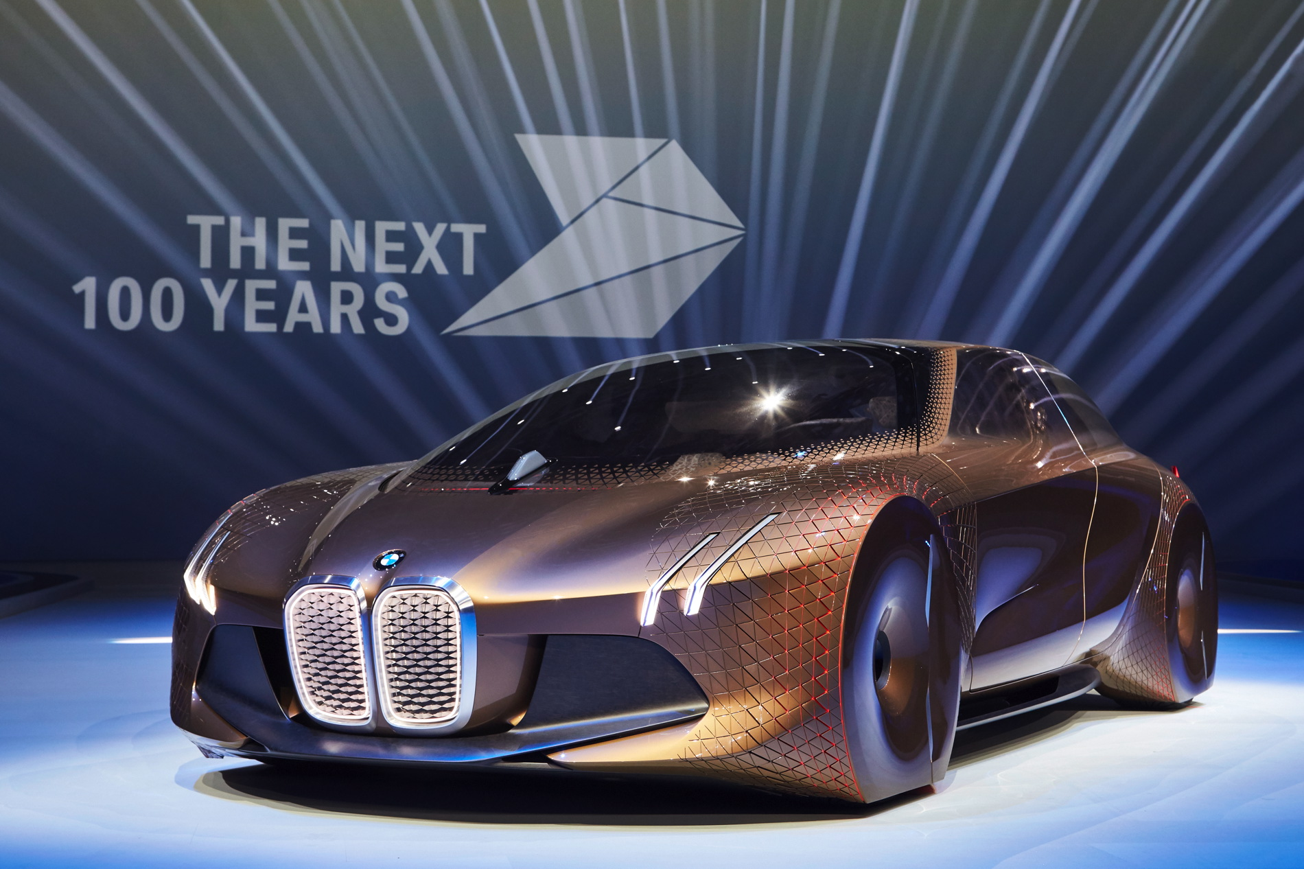 The ideas behind the BMW VISION NEXT 100 as explained by BMW designers