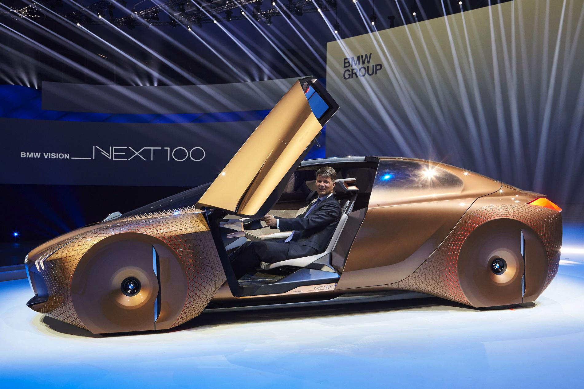 BMW VISION NEXT 100 images 31
